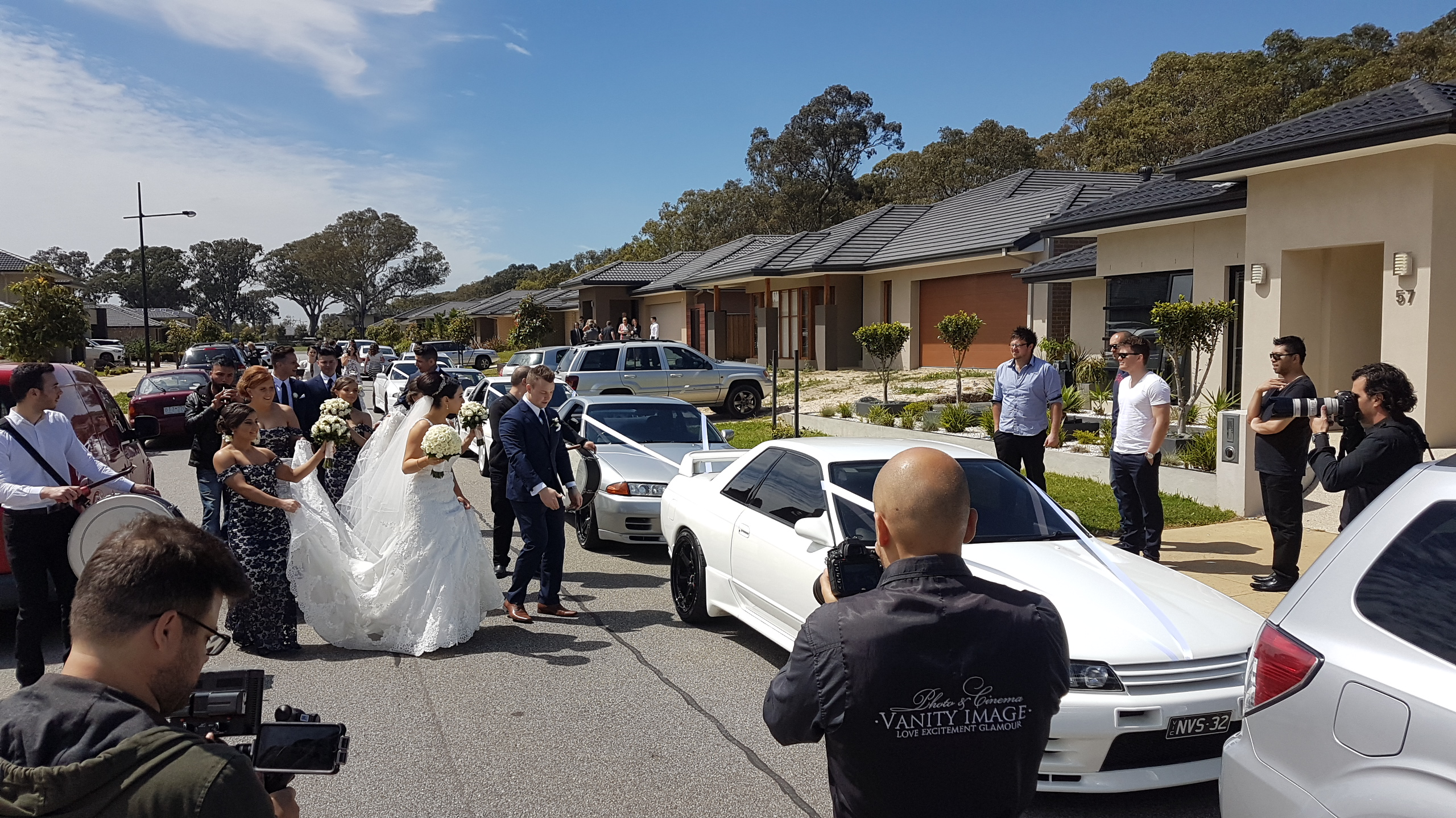 We organized a full day of wedding cars for this bride & groom. From pick up in the morning, to ceremony, reception, & night drop off. We can organize any cars at request. Get in contact NOW!